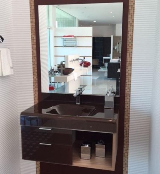 pia p/ banheiro Lavatório de Vidro Stetiun 80x46cm Chocolate